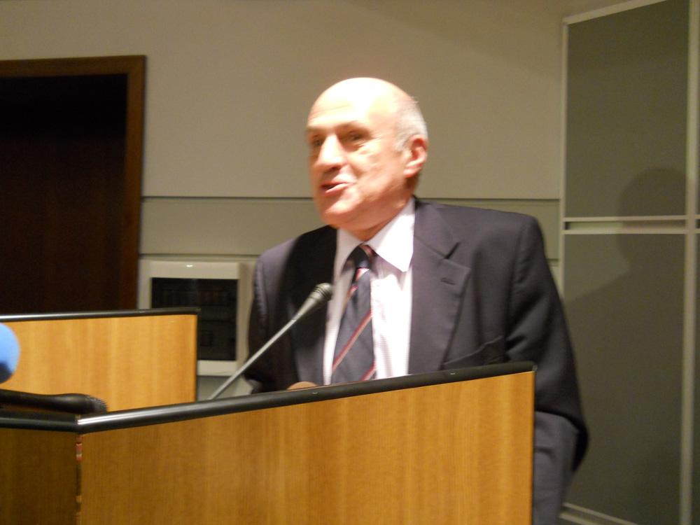 http://www.academiaromana.ro/com2011/img0601Cioran/org/DSCN5429.jpg